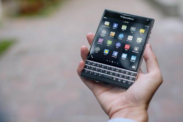 blackberry-telefon-smartfno