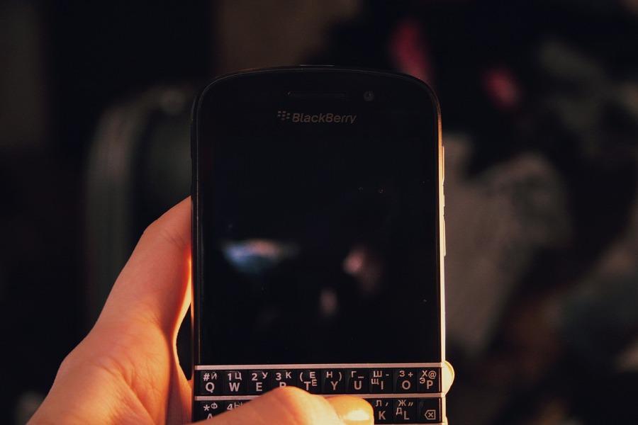 Telefon z klawiaturą