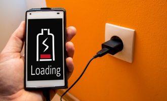 Jak poprawnie ładować smartfona?