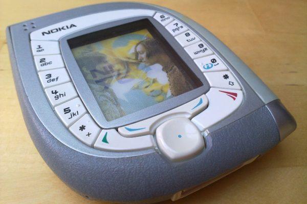 Nokia 7600