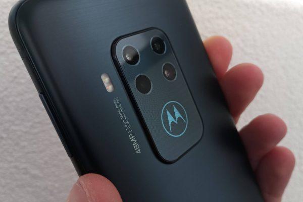 Motorola One testowanie