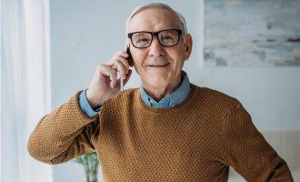 Najlepsze telefony i oferty komórkowe dla seniora