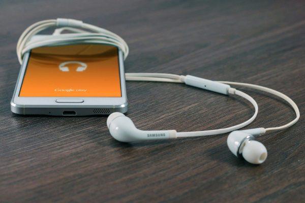 Pobieranie muzyki na telefon