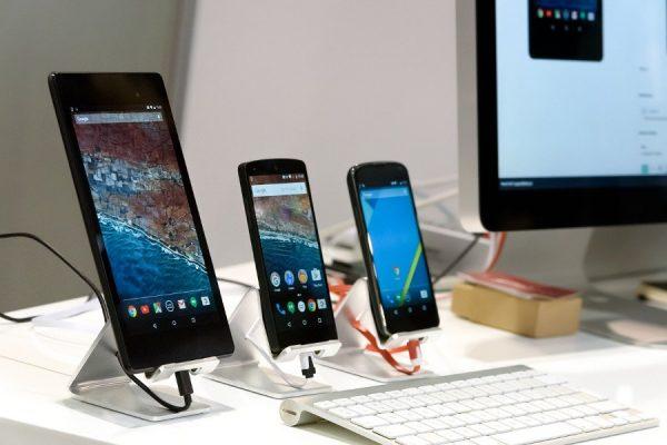 Smartfon powystawowy