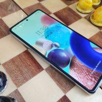 Multimedialny Samsung Galaxy A72 z ekranem 90 Hz – recenzja